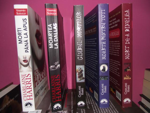 Primele 5 volume ale seriei.